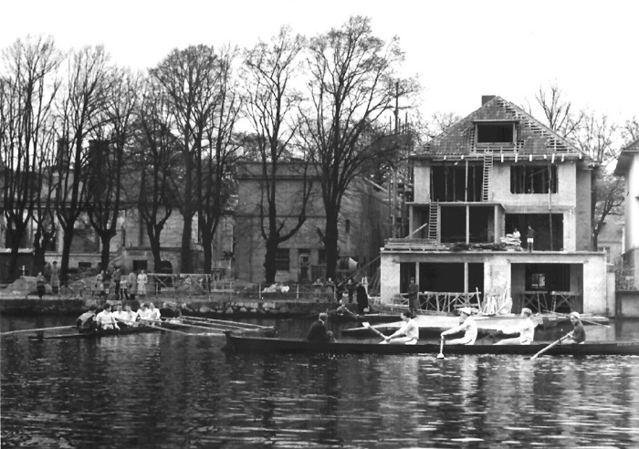1952 Aufbau des Bootshaus Schöne Aussicht